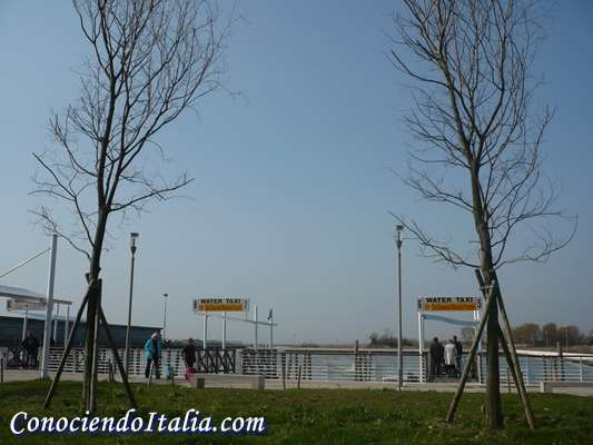Aeropuerto marco polo de venecia informaci n practica de como llegar a la isla conociendo italia - Marco aldany puerto venecia ...