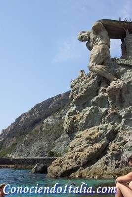estatua del gigante