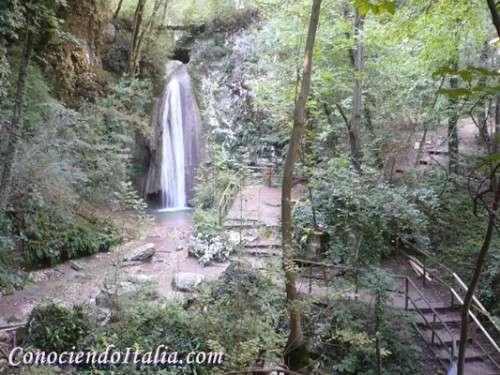 Descubrir el parque de las cascadas en molina verona for Cascadas artificiales de pared