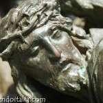 La puerta principal del Duomo de Milán