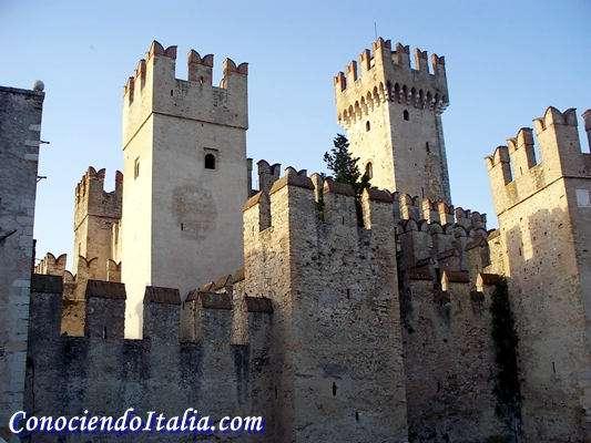 La Fortaleza Scaligera, que protege la ciudad