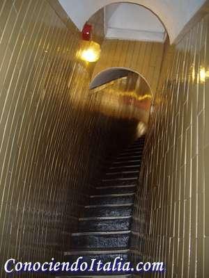 Vista escaleras internas de la Cúpula de San Pedro - Vaticano