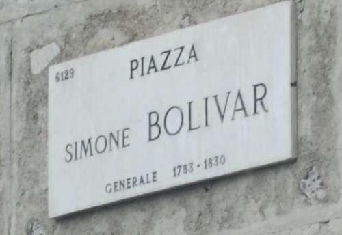 Placa Plaza Simón Bolivar en Milán