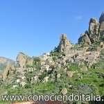 Pentedattilo – Burgo fantasma y turismo de aventura – Calabria