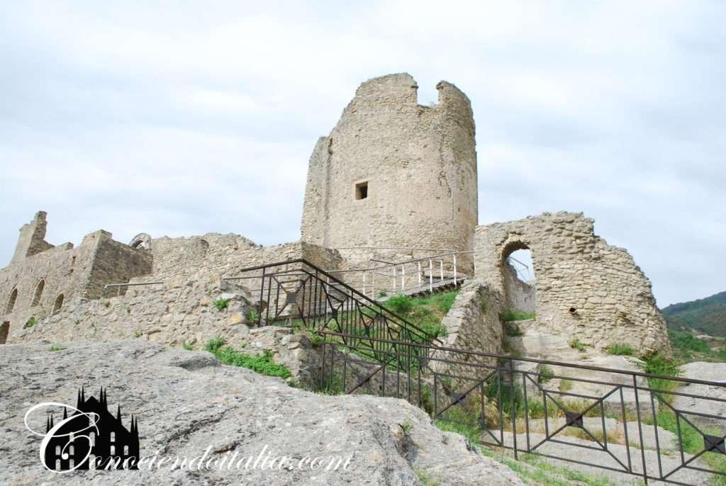 Castillo de Cleto - Ciudad fantasma en Calabria
