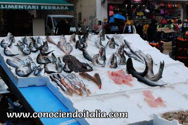 Pescado fresco en plena calle